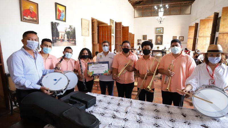 Gobernación de Bolívar hizo la entrega oficial de instrumentos a La banda «La Valerosa» de Mompox