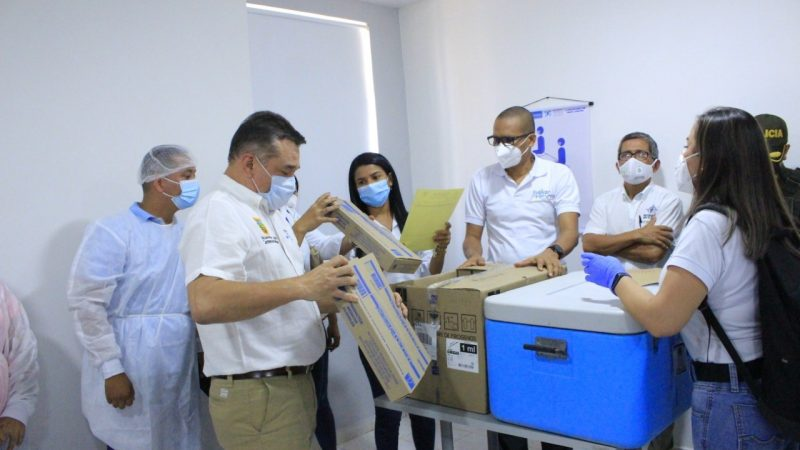 El Carmen de Bolívar recibió las primeras 255 dosis de la vacuna Sinovac contra el Covid-19