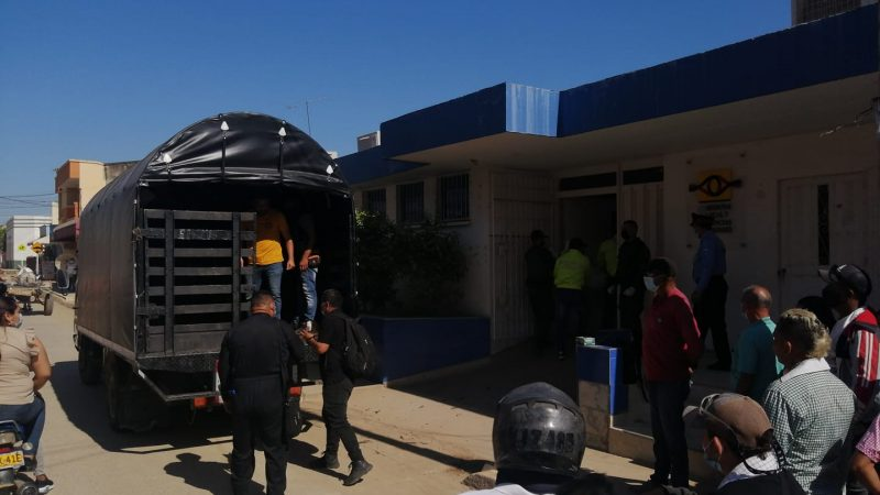 Tras combates, tres cadáveres acaban de ser ingresados en la morgue del hospital de El Carmen