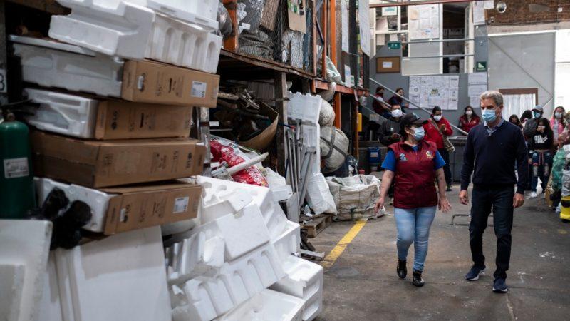 Ministro de ambiente Carlos Eduardo Correa exalta la labor de los recicladores en el país