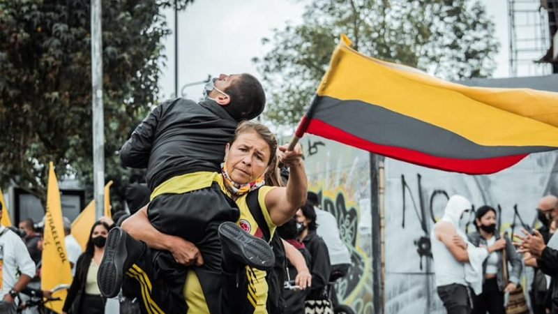 Teresa y Julián, los protagonistas de la foto que conmovió a Colombia