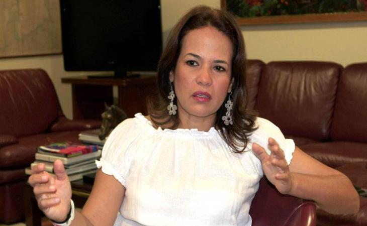 Exalcaldesa Judith Pinedo se entrega a la Fiscalía para cumplir con su condena