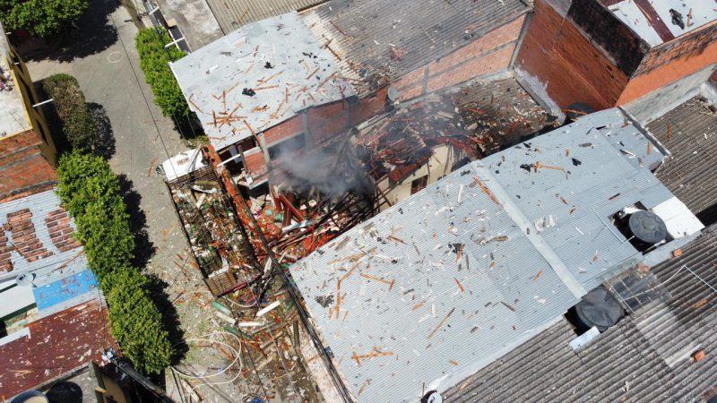 Fuerte explosión en una vivienda de Caucasia, Antioquia, deja tres personas heridas