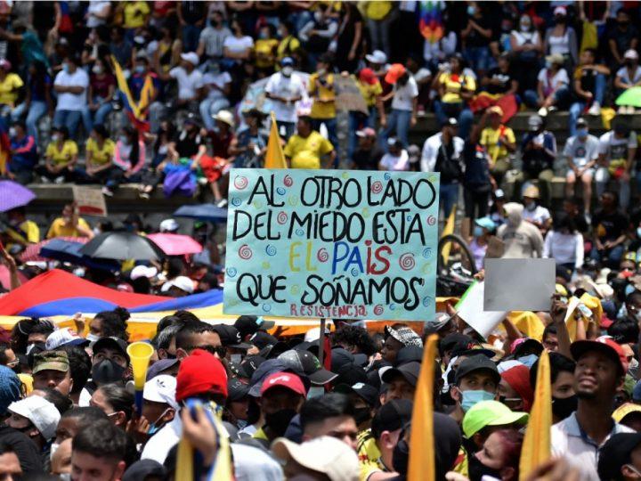 Sube a 42 el número de muertos durante manifestaciones del paro nacional: Defensoría